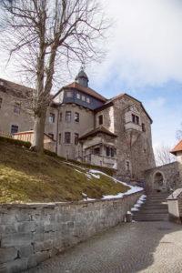 Hof vom Schloss Elgersburg im Winter
